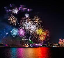 Firework in Singapore by Wey Hun Tan