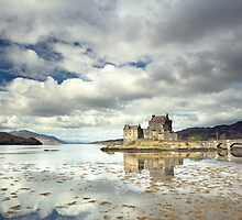 Eilean Donan Castle Reflection by Grant Glendinning