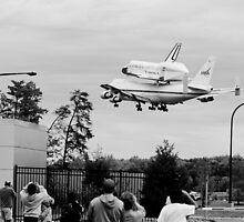 Space Shuttle Discovery by Carina Thornton