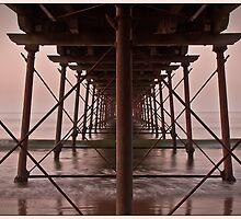 Saltburn Pier, UK. by Ian Yarrow