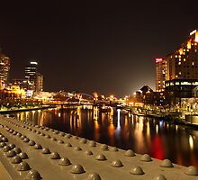 Melbourne at night II by photojunk