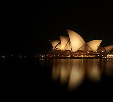 Mirror Image - Sydney Opera House by Andrew Prince