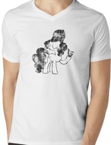 Pinkie Pie Detective Black & White Weathered Mens V-Neck T-Shirt