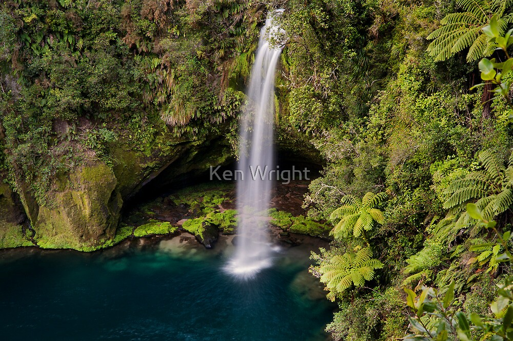 Omanawa Falls by Ken Wright