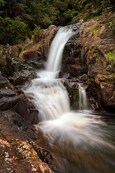 Kaiate upper falls by Ken Wright