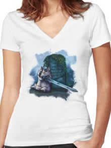 Great Grey Doge Sif Women's Fitted V-Neck T-Shirt