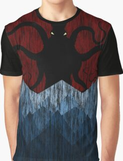 Cthulhu's sea of madness - Red Graphic T-Shirt