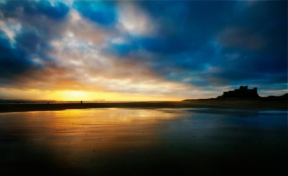 Bamburgh beach by Daniel Davison