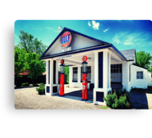 Antique garage Canvas Print