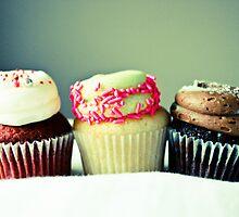 Tres Cupcakes by Kel-Z