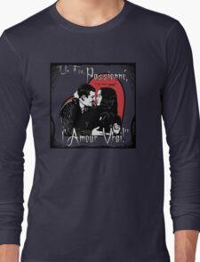 """""""Un Fou, Passionné, l'Amour Vrai!""""- One Crazy, Passionate, True Love! (grey) Long Sleeve T-Shirt"""