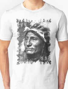 Vintage Native American Portrait In Black and White T-Shirt
