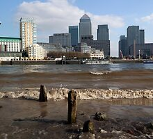 Canary Wharf from the Thames beach at Rotherhithe by John Gaffen