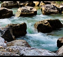 Water and rocks by Helkramu