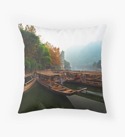 Waiting in the Mist Throw Pillow