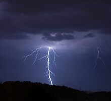 Forked lightning by Ian Middleton