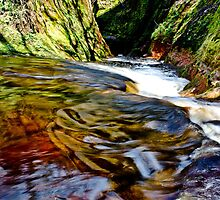 Devils Pulpit near Glasgow by jaags