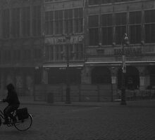 fog rider - Antwerp by Francisco Vasconcellos