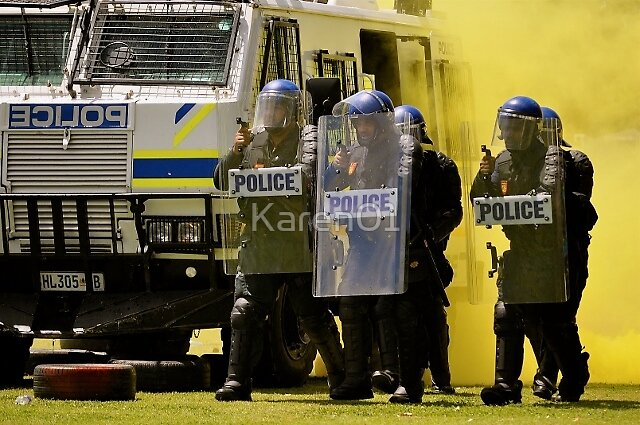 Smoke and mirrors: riot control by Karen01
