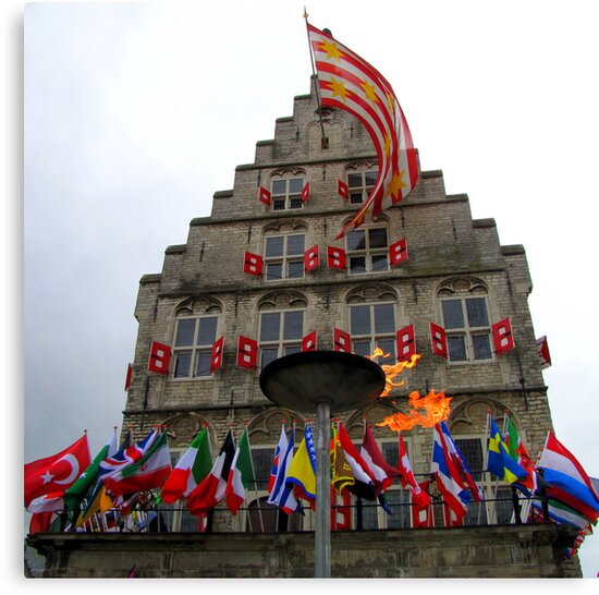 5th of May 2012 by Hans Bax