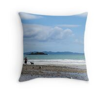 coopers beach Throw Pillow