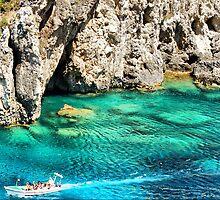 Island's vibrant beauty by loiteke