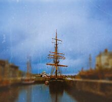 Little Tall Ship by Denise Abé