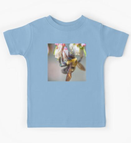 Mom and Baby matching Bee Back at 3:30 pm outfits Kids Tee