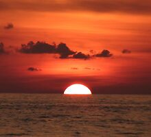 Thai Red Sunset by suzaan