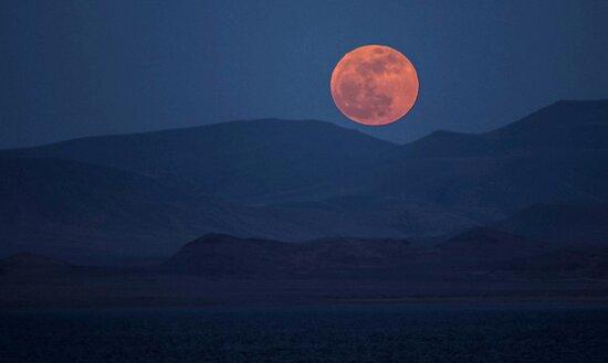Full Moon at Pyramid Lake by ZenCowboy