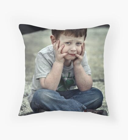 To be or not to be that's the question Throw Pillow