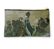 Gold Gilded Leda: A Bollywood Geisha Studio Pouch