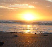 Sun on the horizon - Apollo Bay, Victoria by Heather Samsa