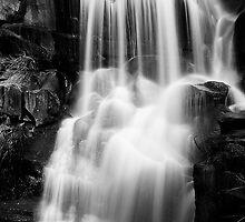 Gibraltar Falls by Paul Dean