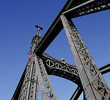 Bridge over the Danube @ Budapest by ragman
