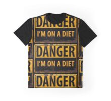 Funny - DANGER, I'm On a Diet! Distressed Metal Rust Warning Sign - Yellow Black Graphic T-Shirt