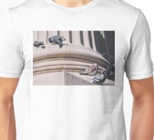 CITY BIRDS Unisex T-Shirt