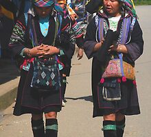H'mong women in Sapa, Vietnam by mechelle142