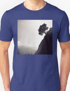 Di st a n ce d T-Shirt
