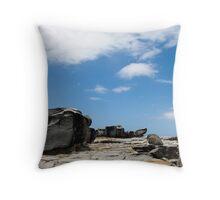 rocky lanscape Throw Pillow