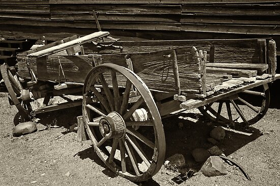 Wagon Wreak  by John  Kapusta