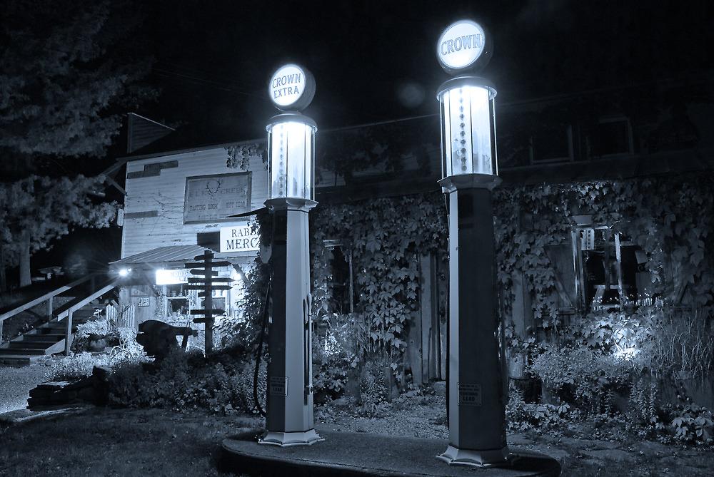 Crown Gas Station by Jeanne Sheridan