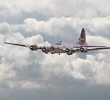 B17 - Yankee Lady by Pat Speirs