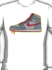 AIR JORDAN 1: GS RETRO FITTED GREY | RED LACES T-Shirt