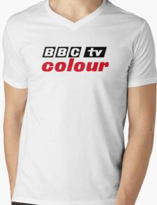 Retro BBC colour logo, as seen at Television Centre Mens V-Neck T-Shirt