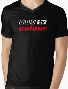 Retro BBC colour logo, as seen at Television Centre (in white) Mens V-Neck T-Shirt