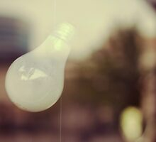 Bright Idea by conformebelle