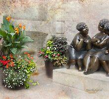 Funny Ladies by Yannik Hay