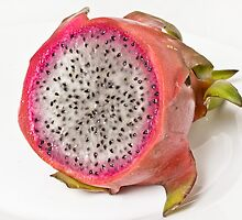 Cross section of a dragon fruit by derejeb