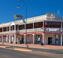 The Great Western Hotel, Cobar by Ian Fegent